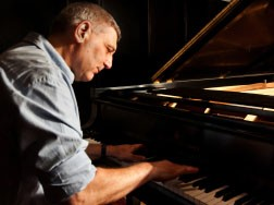 מועדון הג'אז: רביעיית ארי ערב –